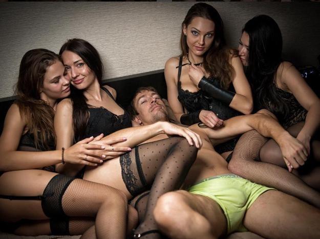 seks-zhenoy-pikap