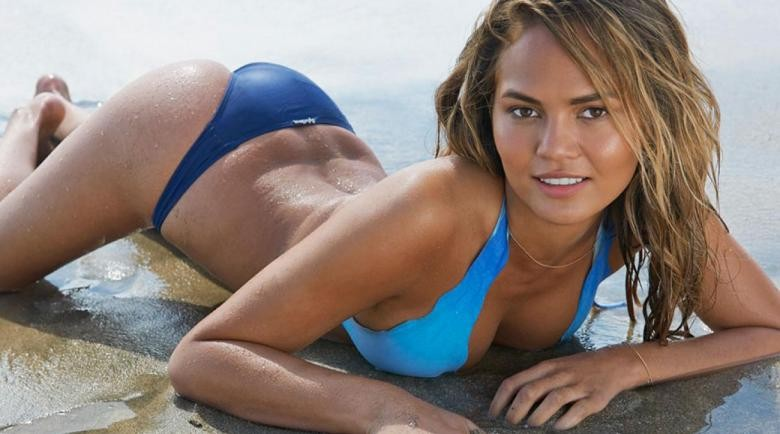 What Chrissy Teigen and John Legends Body Language Says