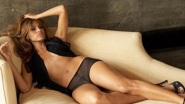 Eva Mendes nue - Elles se mettent nues pour nous