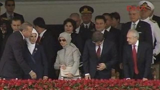 Kılıçdaroğlu erdoğan ın elini havada bıraktı