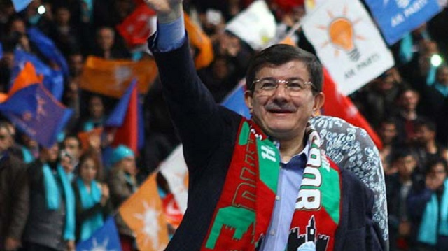 Buldan: Az kalmış Davutoğlu, Öcalan'ın selamlarını iletecek