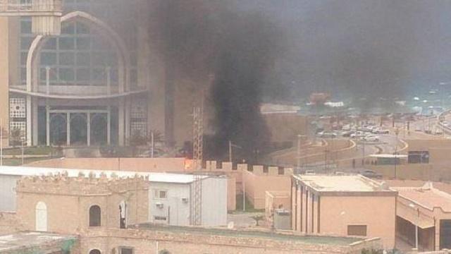 Libya'da Türk turistlerin kaldığı otele silahlı baskın!