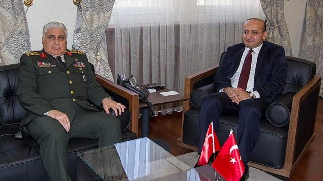 Yalçın Akdoğan ve Org. Özel'in dikkat çeken görüşmesi