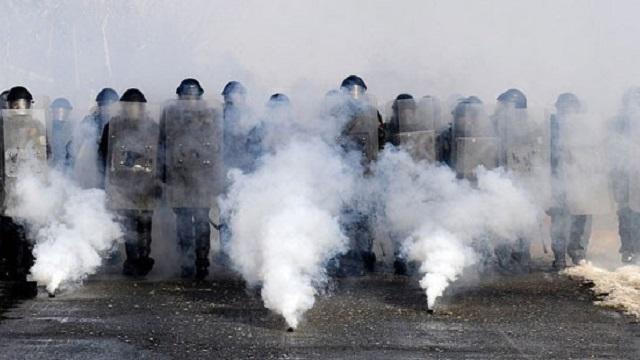 Kosova savaş alanına döndü: 52'si polis, 110 kişi yaralı