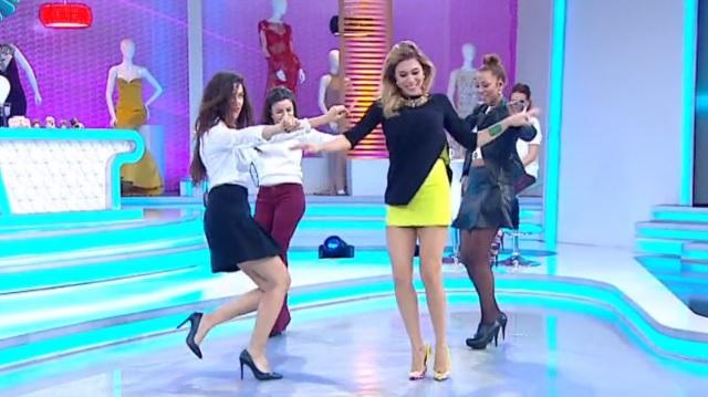 Hürriyet yazarı Sibel Arna'dan seksi dans