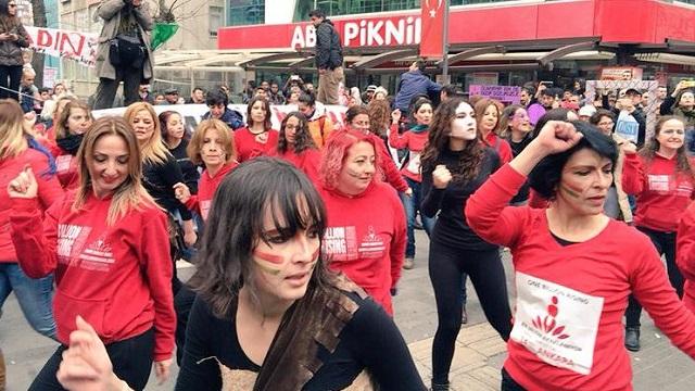 Özgecan için dans eden Aylin Nazlıaka: Talihsiz zamanlamaydı..