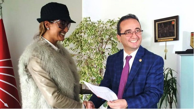 Tuğba Özay, CHP'den milletvekili aday adayı oldu