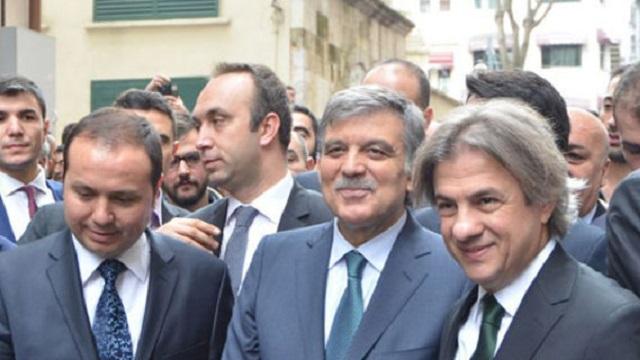 İstiklal Caddesi'nde Abdullah Gül izdihamı