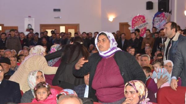 Ermenek'te bakanlara protesto