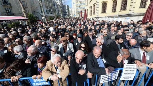 Yaşar Kemal'e vedada insan seli
