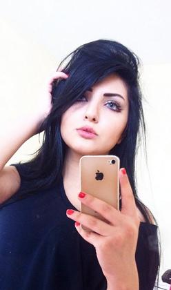 Instagram'ı sallayan Kürt güzeli Şebnem Barani