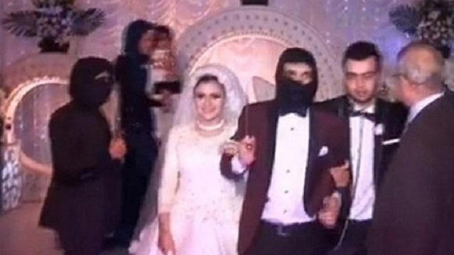 IŞİD vahşeti düğün konsepti oldu
