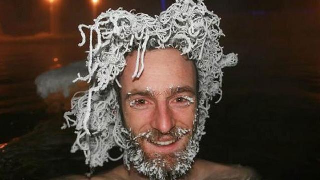 -30 derecede donuk saç yarışması