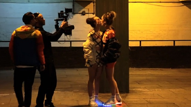 RTÜK lezbiyen öpüşme cezası kesti ama...