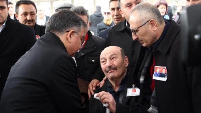 Şehit cenazesinde eski uçak gerginliği