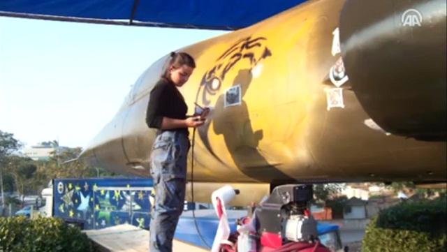 F-16'ları airbrush ile boyayacak