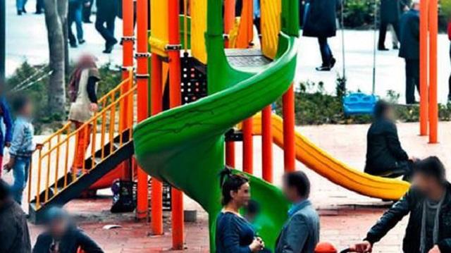 Çocuk parkında fuhuş pazarlığı!