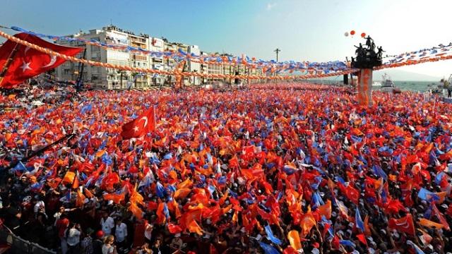 AKP eriyor, MHP ve HDP uçuyor
