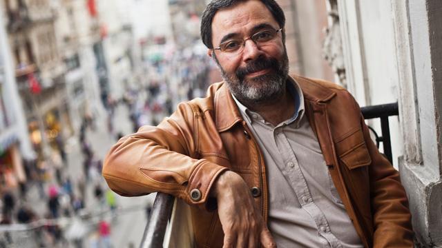 Ahmet Ümit'ten Kemalistlere, HDP'ye oy ver çağrısı