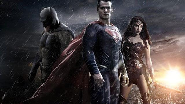 Batman mi? Superman mi? Cevabı beyazperdede!