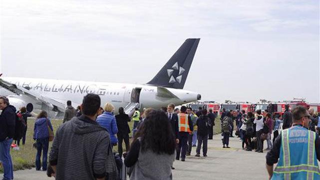 İstanbul'da hava trafiği karıştı! Uçaklar bekliyor..