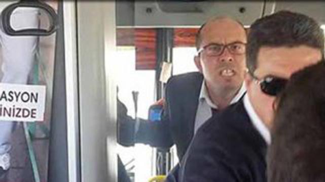 Otobüs şoföründen görme engelli yolcuya hakaret