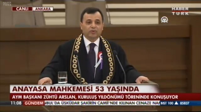AYM Başkanı: Yeni Anayasa sihirli değnek değildir