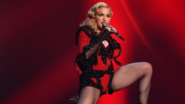 Madonna'nın kariyerindeki en büyük 12 skandal hareket