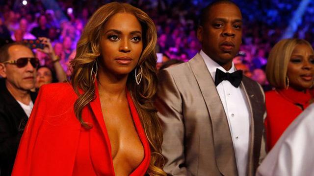 Beyonce, Kim'i taklit ediyor..