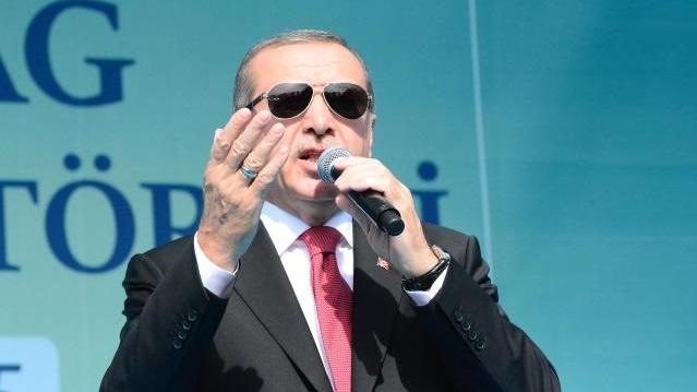Muhalefet Erdoğan'a yüklendikçe, AK Parti oyları artıyor