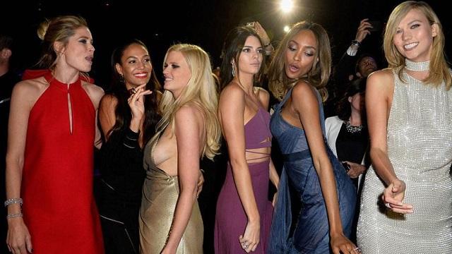 30 milyon dolarlık kızlar Cannes partisinde