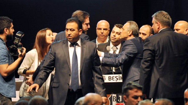 Beşiktaş genel kurulunda büyük gerginlik