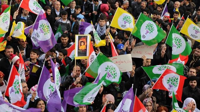 MHP, HDP için oy istiyor, görüntüleri de var!