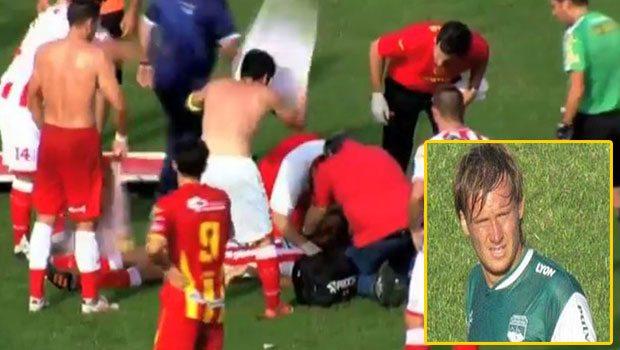 Arjantinli genç futbolcu sahada hayatını kaybetti