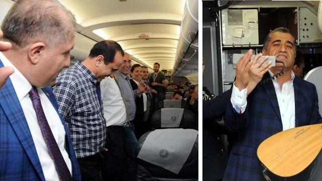 THY ilk Hakkari seferini yaptı, yolcular halay çekti