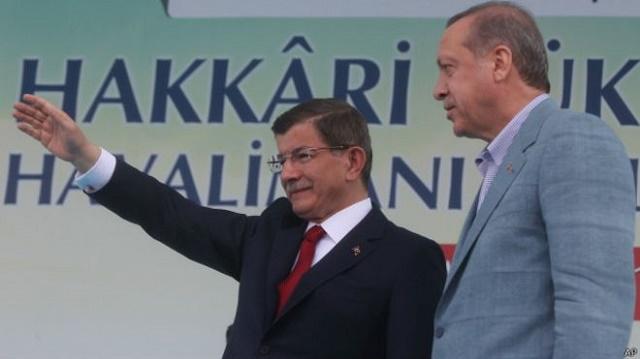 Davutoğlu'nun kampanyası bir devin gölgesinde sürüyor