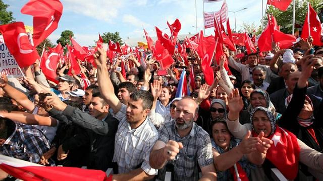 Kararsız AK Parti seçmenine Kırım Hanı örneği