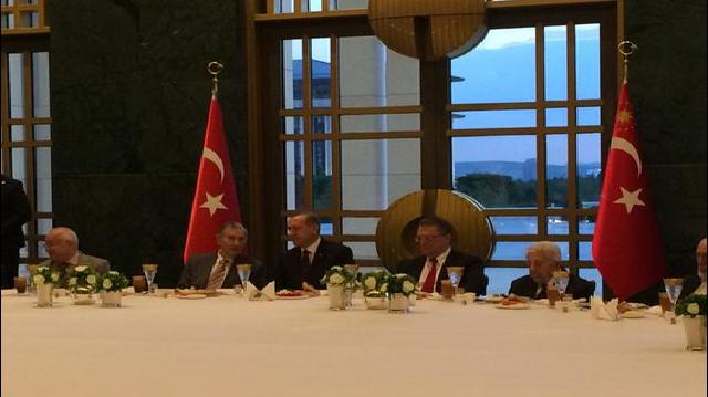 Erdoğan dört bakandan sadece o ismi çağırdı