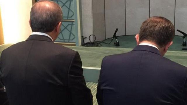 Erdoğan ve Davutoğlu'nun bu fotoğrafı olay oldu