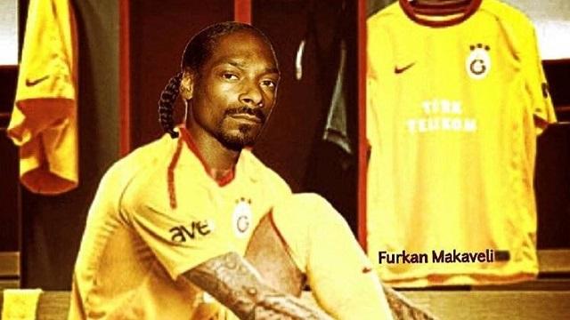 Snoop Dogg sarı kırmızı formaya iyice alıştı