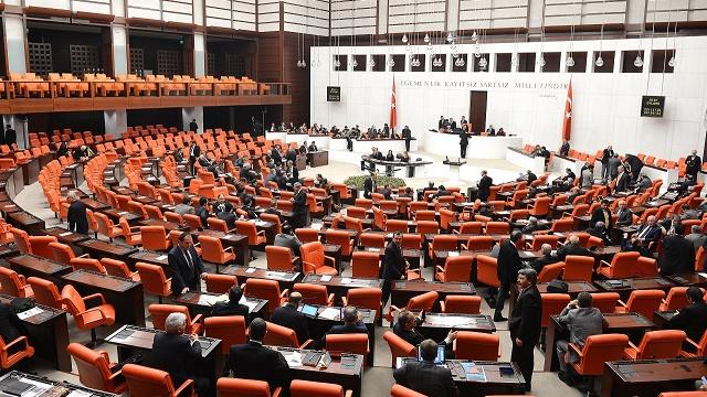 AK Parti'de üç dönemlik vekillere kötü haber
