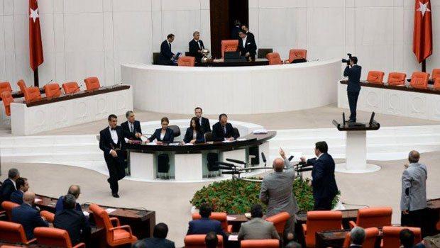 CHP'li vekilden AK Partili vekillere: Allah belanızı versin..