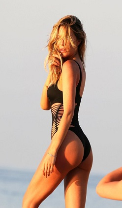 Abbey Clancy mayo çekiminde