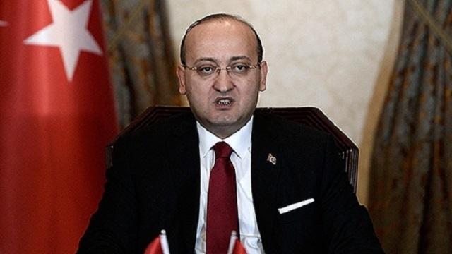 Akdoğan'dan HDP'ye: Hem silah, hem siyaset olmaz