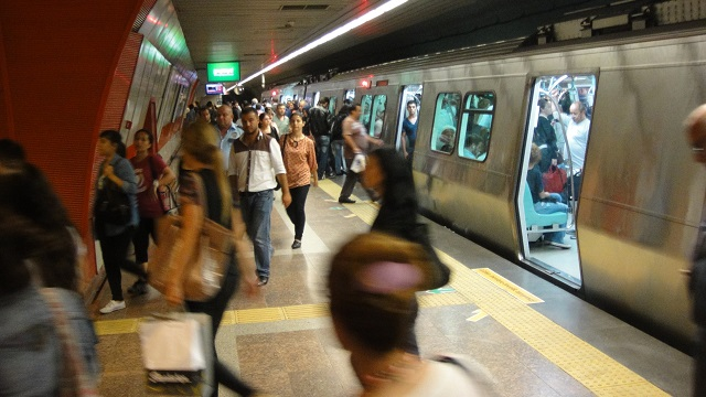 İstanbul'da metro istasyonlarında bomba alarmı