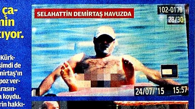 Akit Demirtaş'ın havuz fotoğrafını sansürledi!