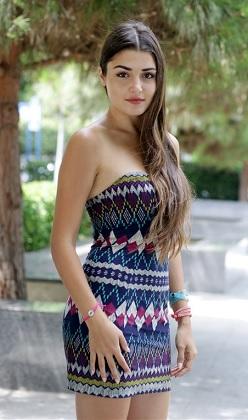 Hande Erçel: Hayal kurmaya aşık bir güzel