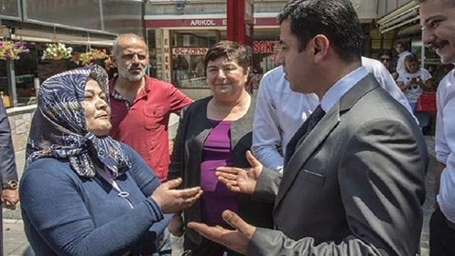 Selahattin Demirtaş'a sokakta sert tepki