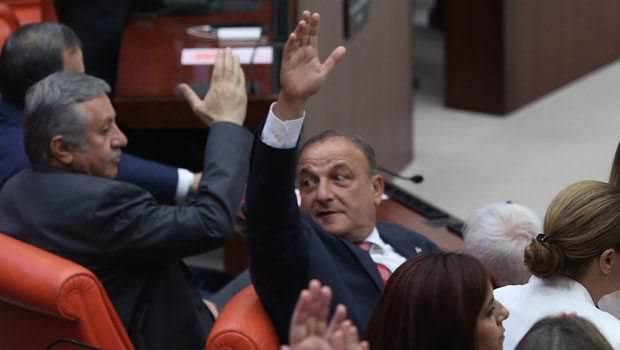 AKP'ye yine MHP desteği! CHP'nin terör önergesi reddedildi