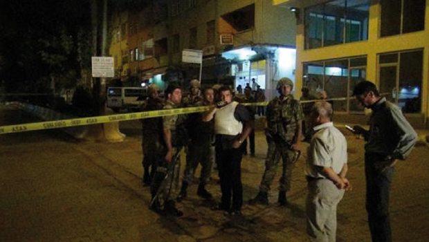Polis aracına silahlı saldırı: 1 polis şehit, 1 vatandaş öldü